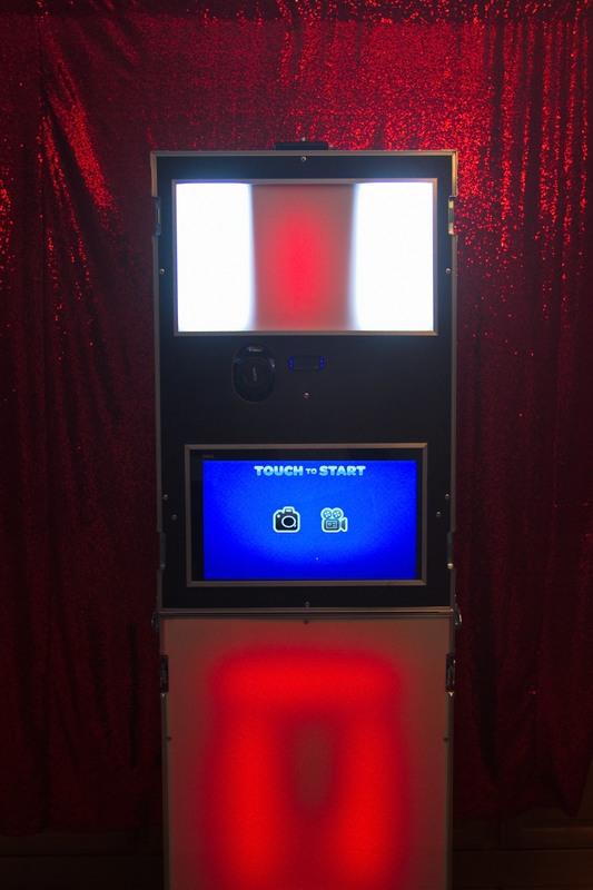 cheap-photobooth-rental.jpg